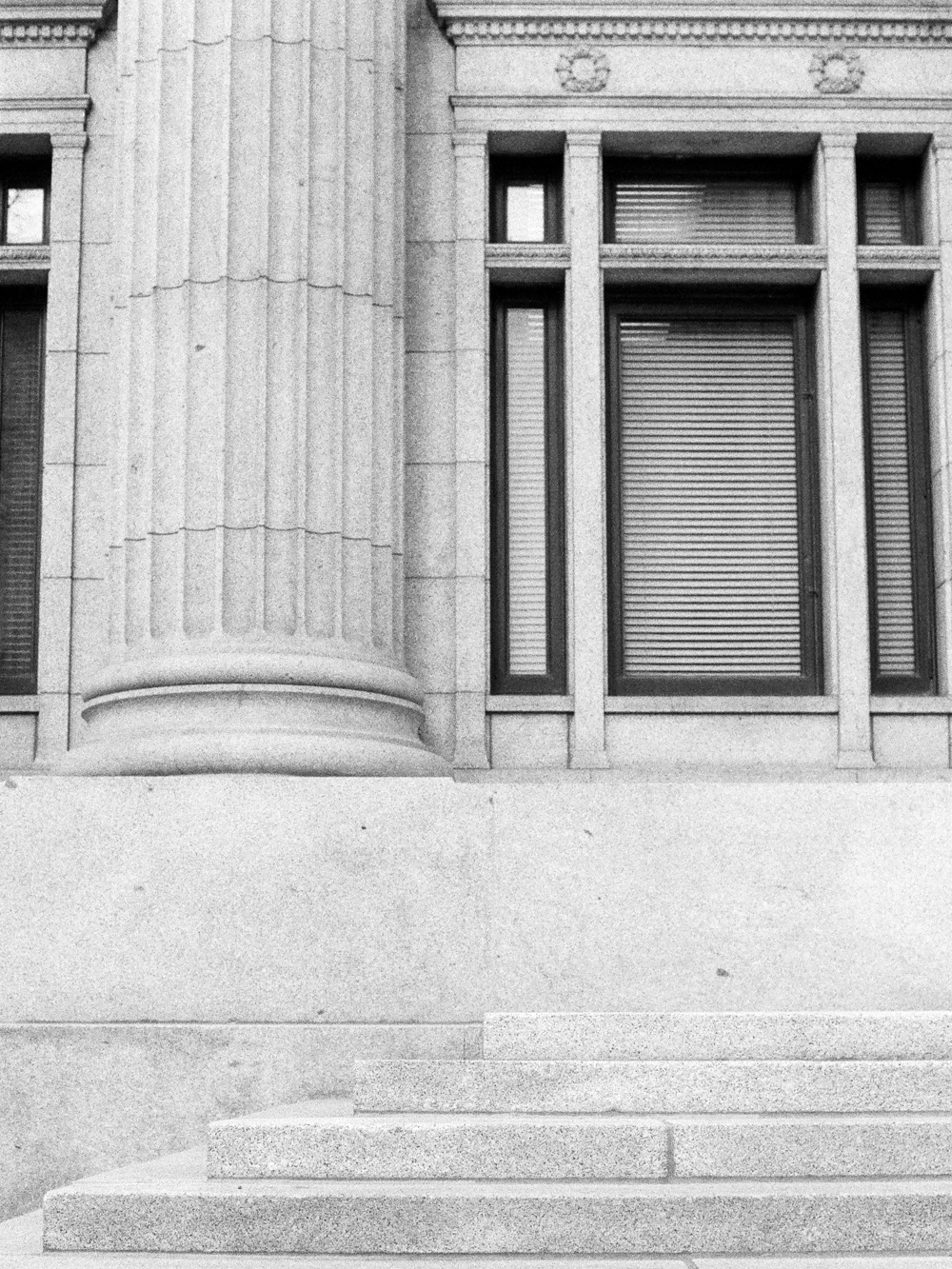 Christine-gosch-utah-film-photographer-destination-photographer-delta-3200-black-and-white-10.jpg