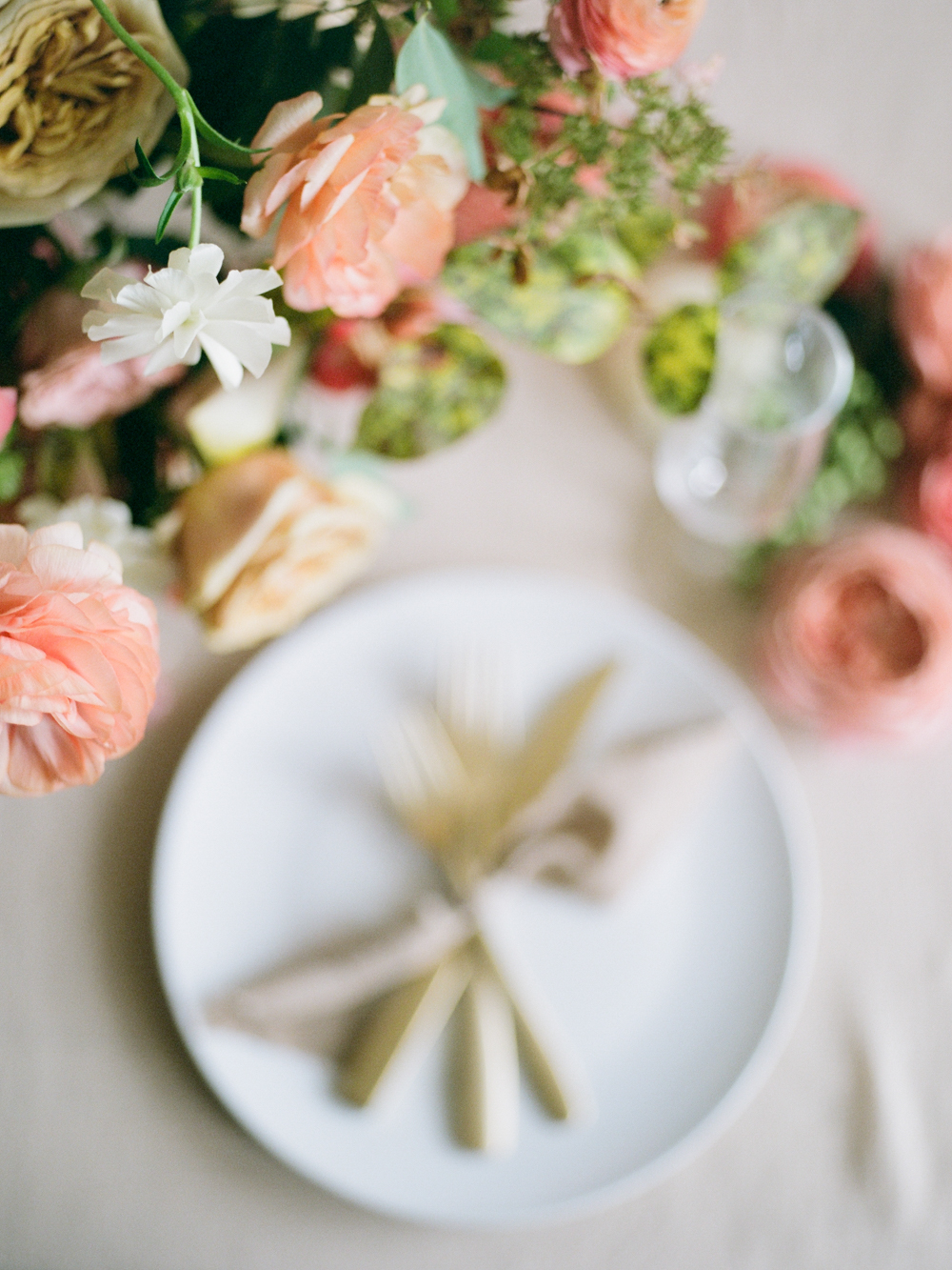 film wedding photographer - Houston wedding photographer - intimate wedding photographer - Christine Gosch - fall wedding inspiration - blush fall wedding - wedding flowers - fall wedding flowers - wedding table inspo-5- Maxit Flower Design.jpg