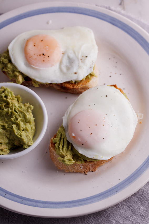 Easy poached eggs with avocado toast - Via Alida Ryder