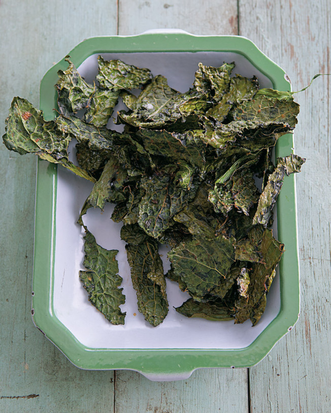 kale chips with sea salt and smoked paprika via williams sonoma