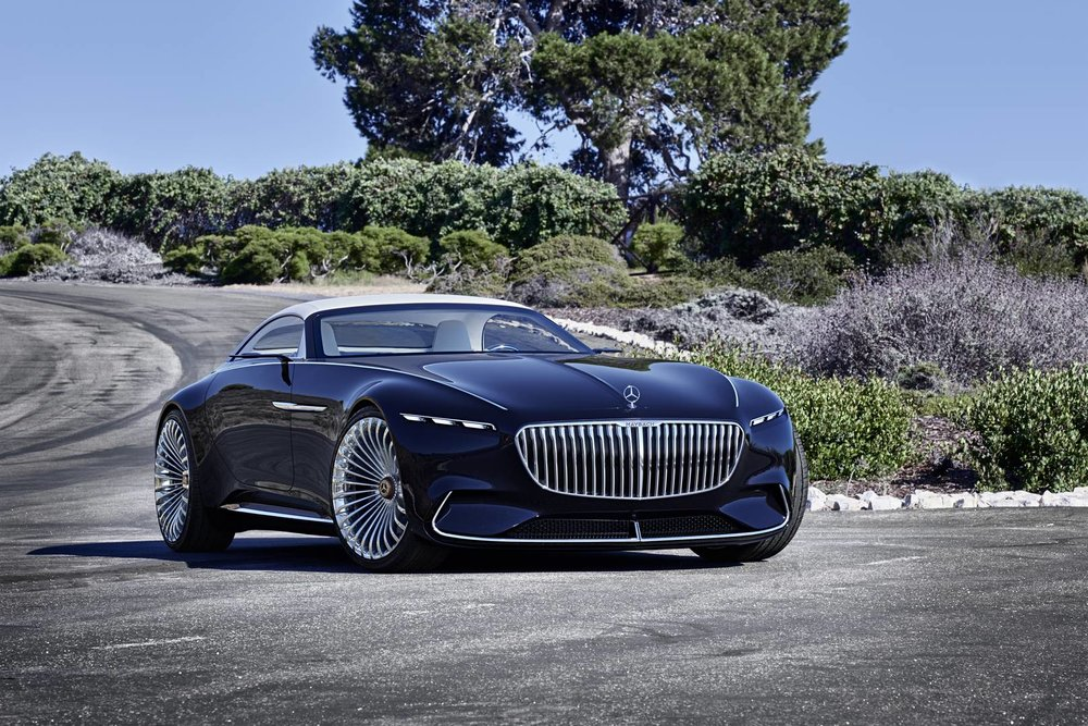 "Vision Mercedes-Maybach 6 Cabriolet: Der starke Kontrast zwischen der dunkelblauen Lackierung ""Nautikblaumetallic"" und den Chromakzenten erhöht die spannende Beziehung zwischen den klar gestalteten Flächen mit organisch geformten Kotflügeln und den Chromleisten. Diese sitzen oben auf der Kotflügelkante  // Vision Mercedes-Maybach 6 Cabriolet: The strong contrast between the dark blue paintwork in ""nautical blue metallic"" and the chrome highlights increases the fascinating relationship between the clearly defined areas with organically shaped wings and the chrome trim elements, which sit at the top on the edge of the wing  Vision Mercedes-Maybach 6 Cabriolet: Der starke Kontrast zwischen der dunkelblauen Lackierung ""Nautikblaumetallic"" und den Chromakzenten erhöht die spannende Beziehung zwischen den klar gestalteten Flächen mit organisch geformten Kotflügeln und den Chromleisten. Diese sitzen oben auf der Kotflügelkante  // Vision Mercedes-Maybach 6 Cabriolet: The strong contrast between the dark blue paintwork in ""nautical blue metallic"" and the chrome highlights increases the fascinating relationship between the clearly defined areas with organically shaped wings and the chrome trim elements, which sit at the top on the edge of the wing"