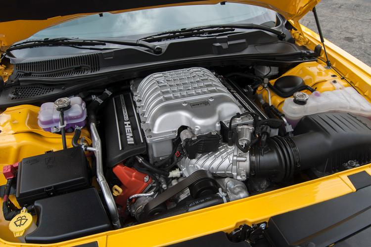 2017-dodge-challenger-srt-hellcat-engine.jpg