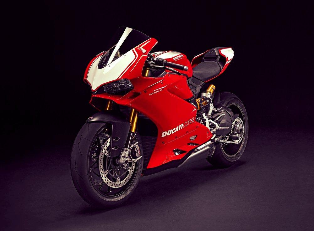 2015-Ducati-Panigale-R-37.jpg