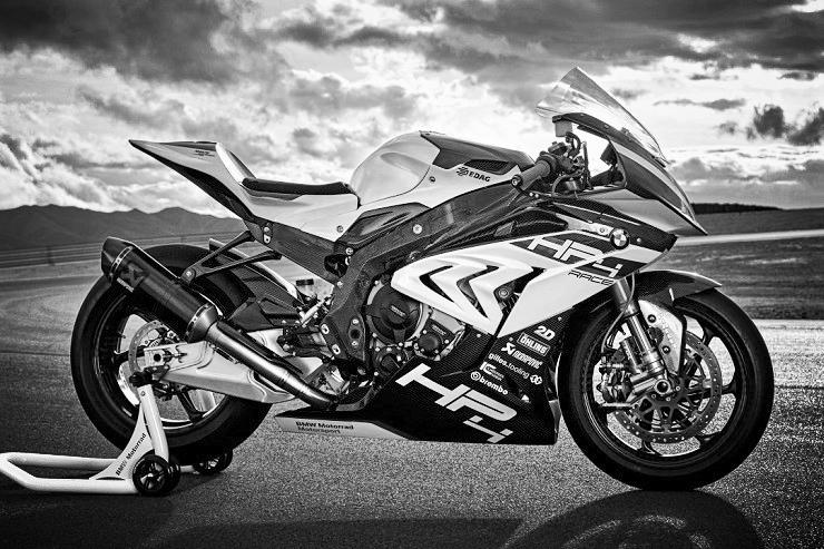 2017-BMW-Motorrad-HP4-Race-Superbike-4.jpg