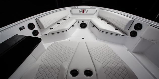 Mercedes-Benz-G63-AMG-Inspired-Cigarette-42-Huntress-Boat-6.jpg