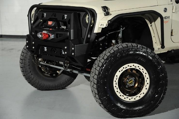 Starwood-Motors-Custom-Jeep-Wrangler-Bandit-6.jpg