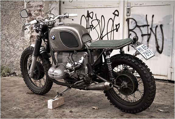 bmw-k65-moto-sumisura-2-www.mensgear.net-cool-gear-tech-mens-gadgets-grooming-style-gizmos-gifts-gift-ideas-travel-alexa-entertainment-google-auto-cars-rides-watches-babes-nude-xxx-ass-pussy-blog-awesome--2.jpg