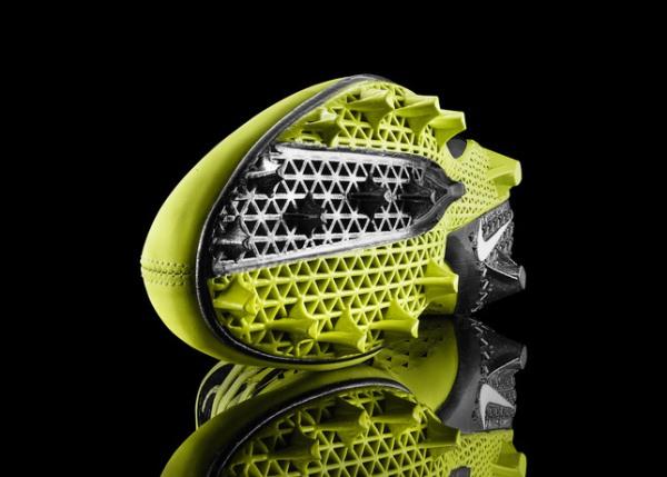 Nike-vapor-lasor-talon-footbal-sneaker-1-www.mensgear.net-cool-gear-tech-mens-gadgets-grooming-style-gizmos-gifts-mens-gift-ideas-travel-entertainment-auto-cars-rides-watches-babes-blog-.jpg3_.jpg