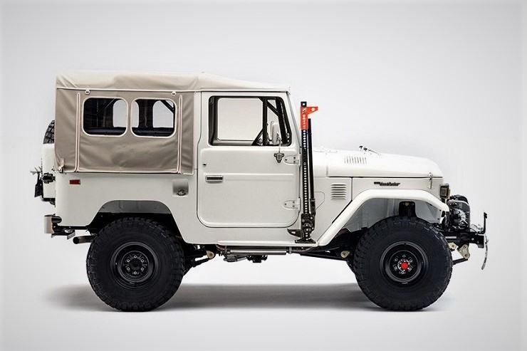 Toyota-FJ43-Land-Cruiser-Project-Aspen-by-FJ-Company-1.jpg
