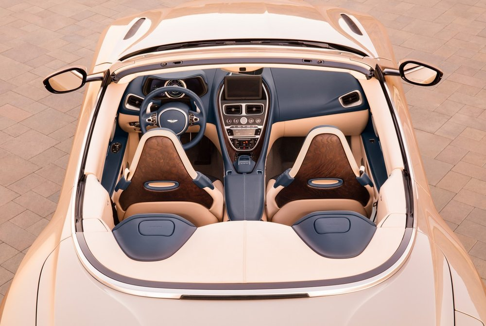 Aston-Martin-DB11-Volante-3.jpg