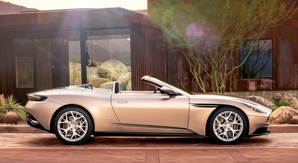 Aston-Martin-DB11-Volante-2.jpg