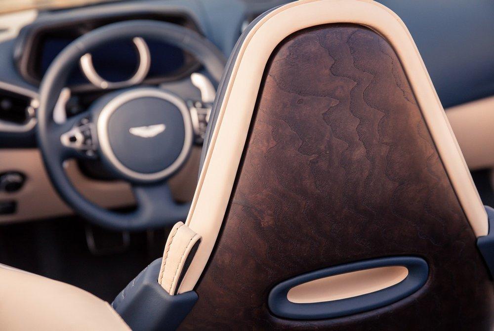 Aston-Martin-DB11-Volante-4.jpg