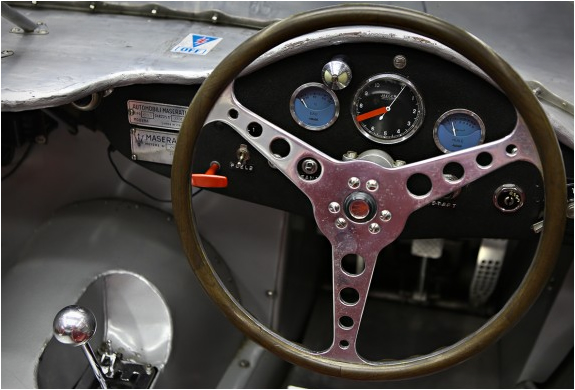 1956-maserati-200si-7.jpg