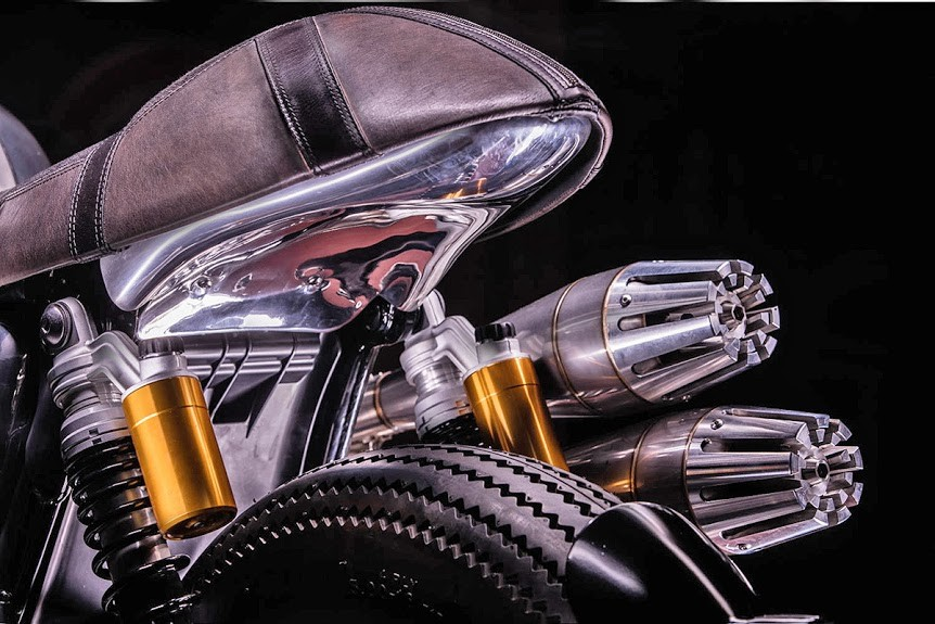 Hedonic-Triumph-Thruxton-R-8.jpg