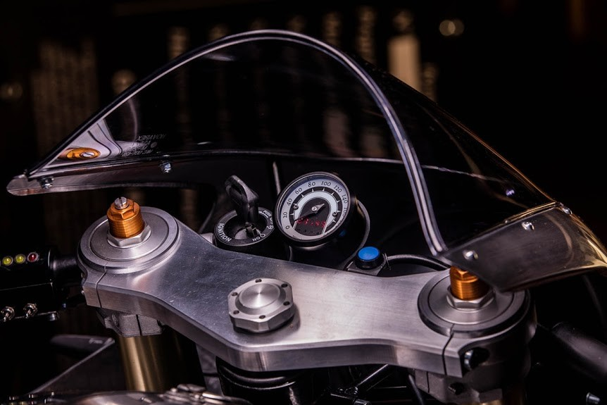 Hedonic-Triumph-Thruxton-R-5.jpg