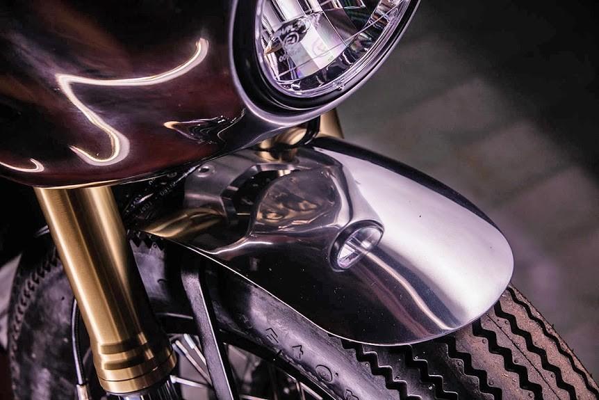 Hedonic-Triumph-Thruxton-R-6.jpg