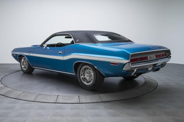 1970-Dodge-Challenger-RT-SE-4.jpg