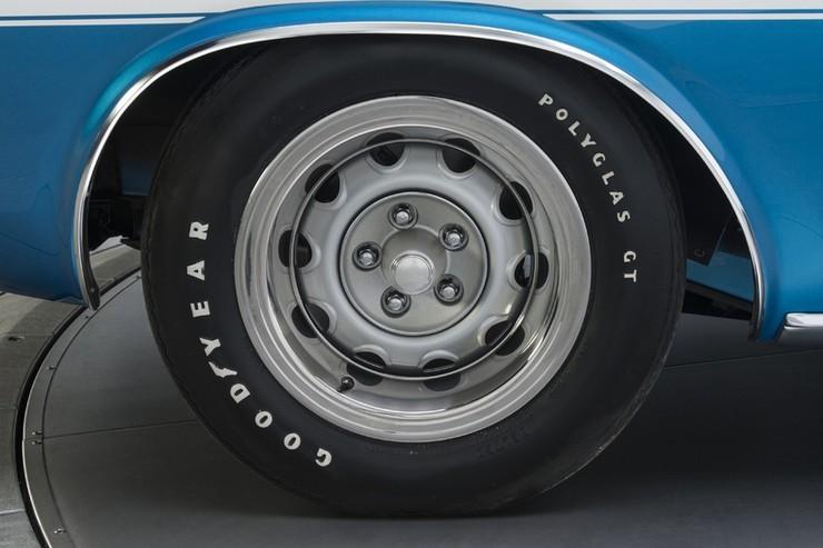 1970-Dodge-Challenger-RT-SE-20.jpg