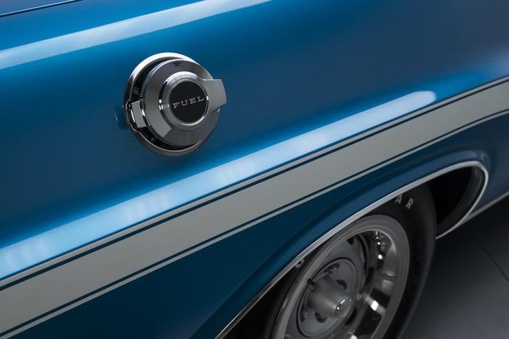 1970-Dodge-Challenger-RT-SE-19.jpg