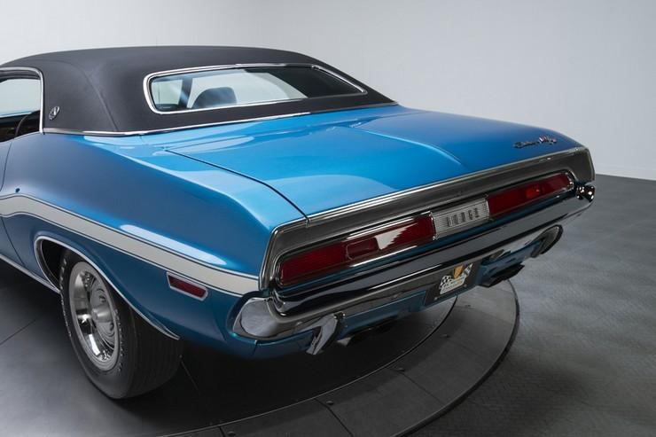 1970-Dodge-Challenger-RT-SE-17.jpg