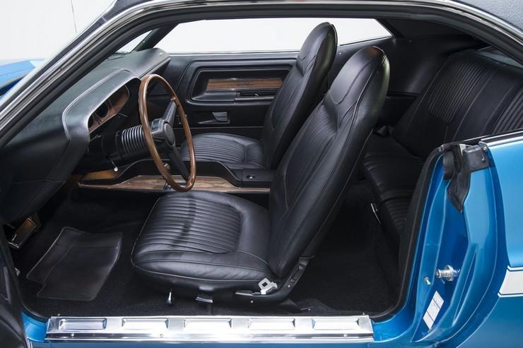 1970-Dodge-Challenger-RT-SE-25.jpg