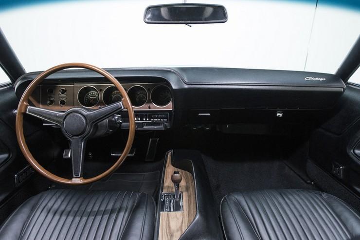 1970-Dodge-Challenger-RT-SE-27.jpg