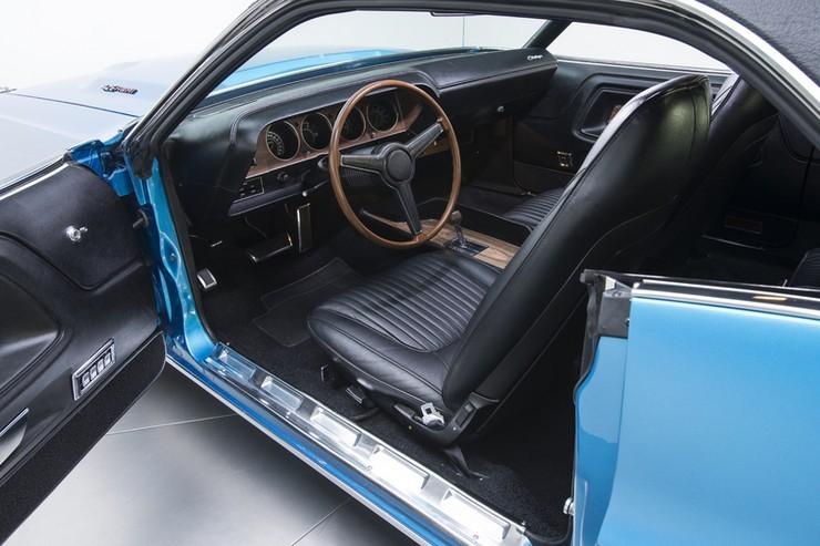 1970-Dodge-Challenger-RT-SE-24.jpg