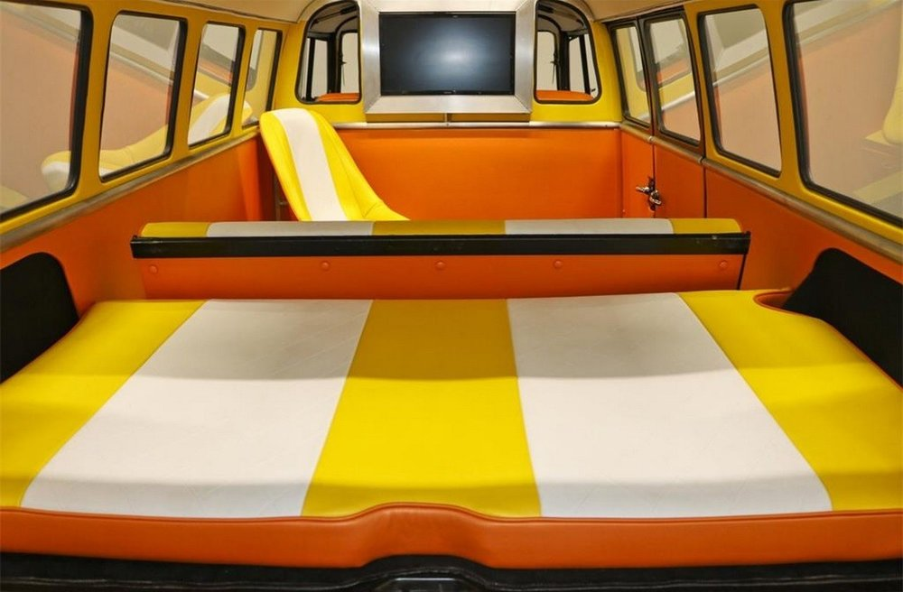 Back-to-the-Future-VW-Bus-16.jpg