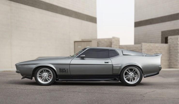 1971-Ford-Mustang-Fastback-8.jpg