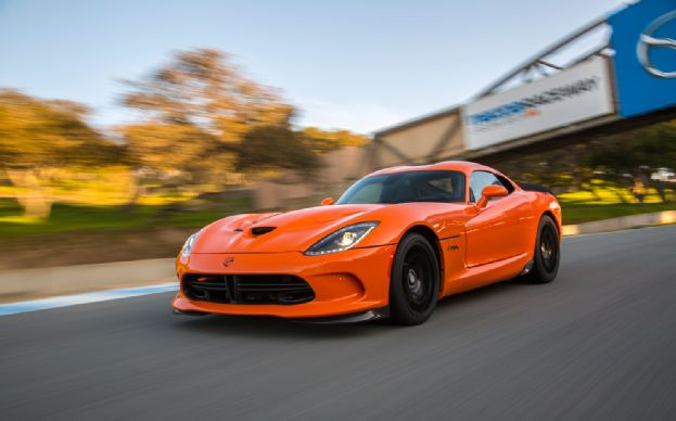 2014-SRT-Viper-TA-front-three-quarters-in-motion-2-1-2.jpg