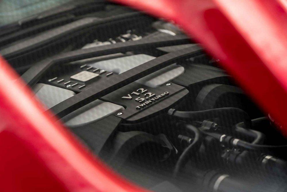 Aston-Martin-DBS-Superleggera-9.jpg