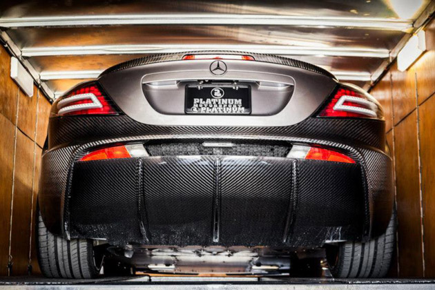 Carbon-Fiber-Mercedes-Benz-SLR-Renovation-by-Mansory-5.jpg