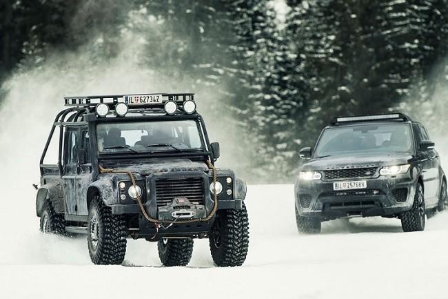 Land-Rover-Defender-Spectre-1-2.jpg