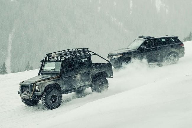 Land-Rover-Defender-Spectre-2.jpg