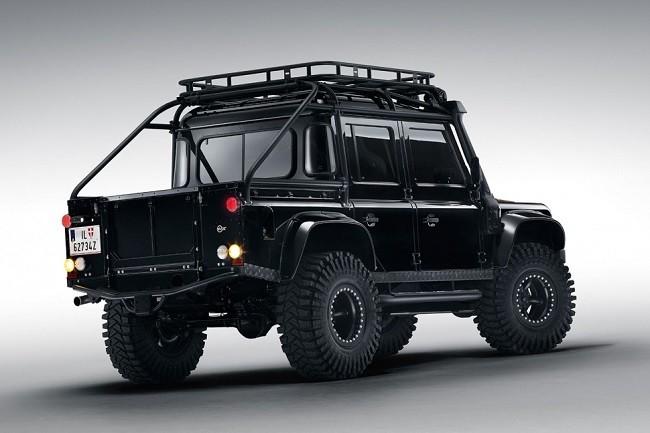 Land-Rover-Defender-Spectre-5.jpg
