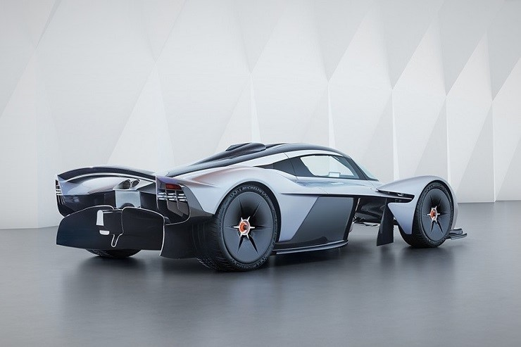 Aston-Martin-Valkyrie-Hypercar-2.jpg