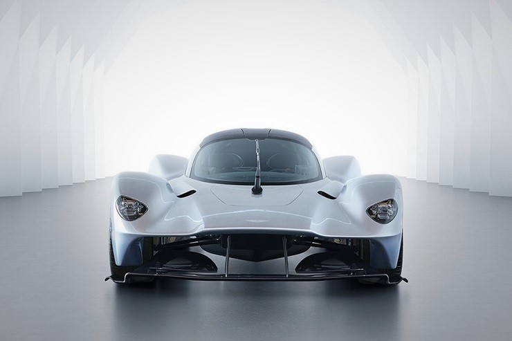 Aston-Martin-Valkyrie-Hypercar-1.jpg