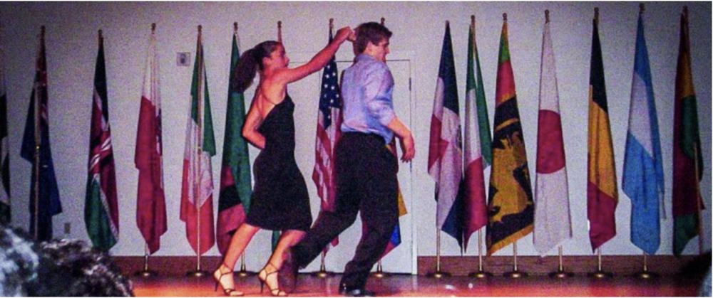 ..ja tästä ei enää ollut paluuta, ensimmäistä kertaa lavalla.  Kuva otettu yliopiston   kevät näytöksestä Louisianassa 2004.