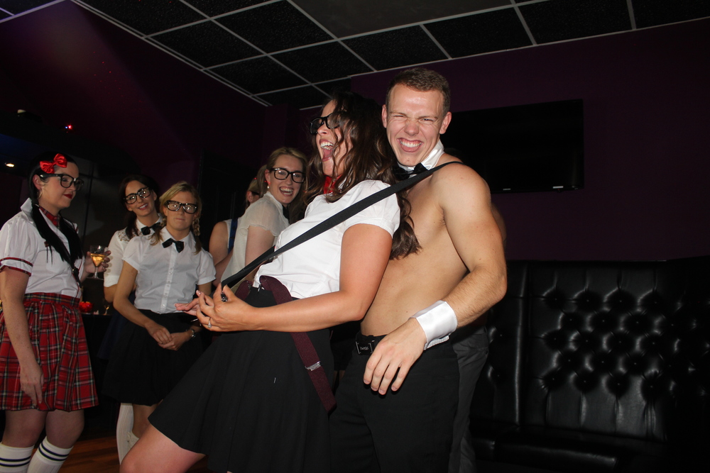 hen-party-buff-waiter