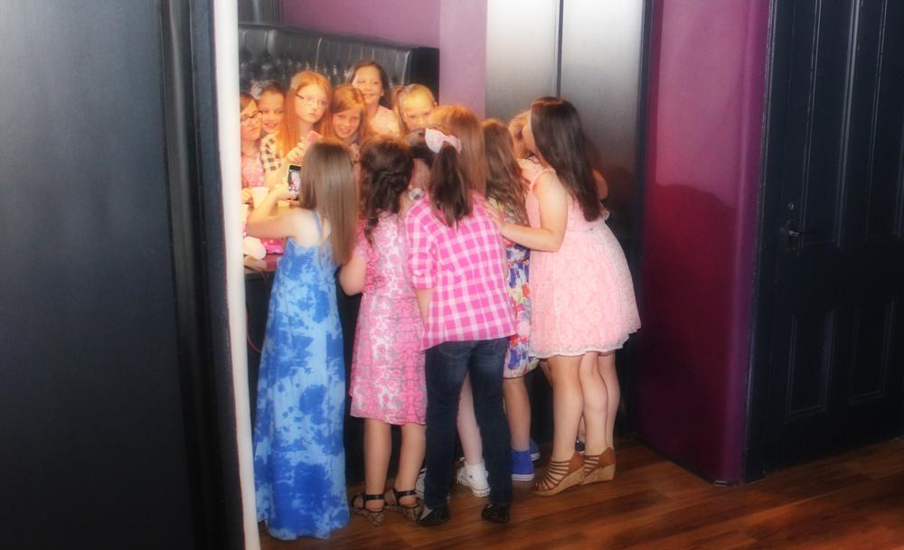 party-mirror-posing
