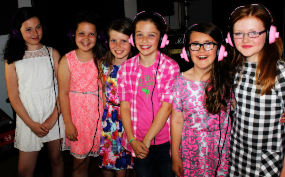 kids-recording-studio-headphones