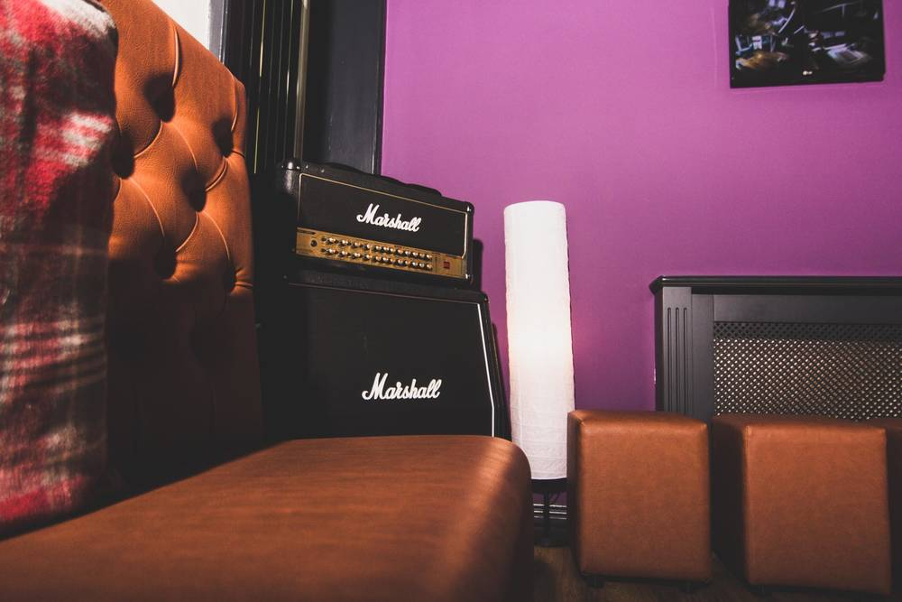 green-room-marshall-amp