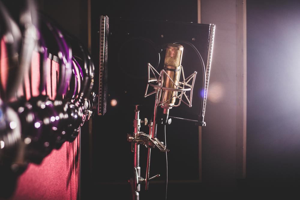 Recording-studio-mic