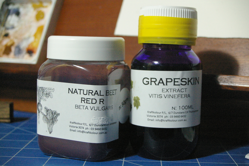Natural beet red powder and Grapeskin extract.