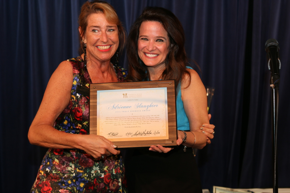 "ACCEPTING THE ""TRULY HERMOSA AWARD' / HERMOSA BEACH CHAMBER OF COMMERCE"