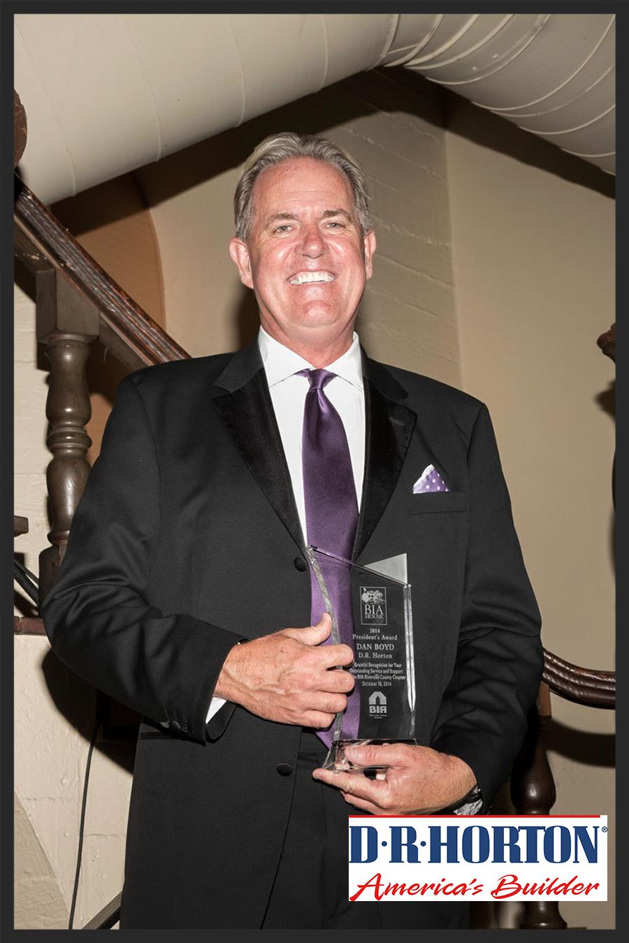 Dan Boyd of D.R. Horton accepting President's Award