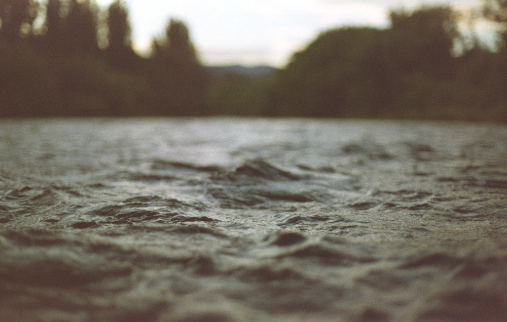 river bokeh water shallow depth of field