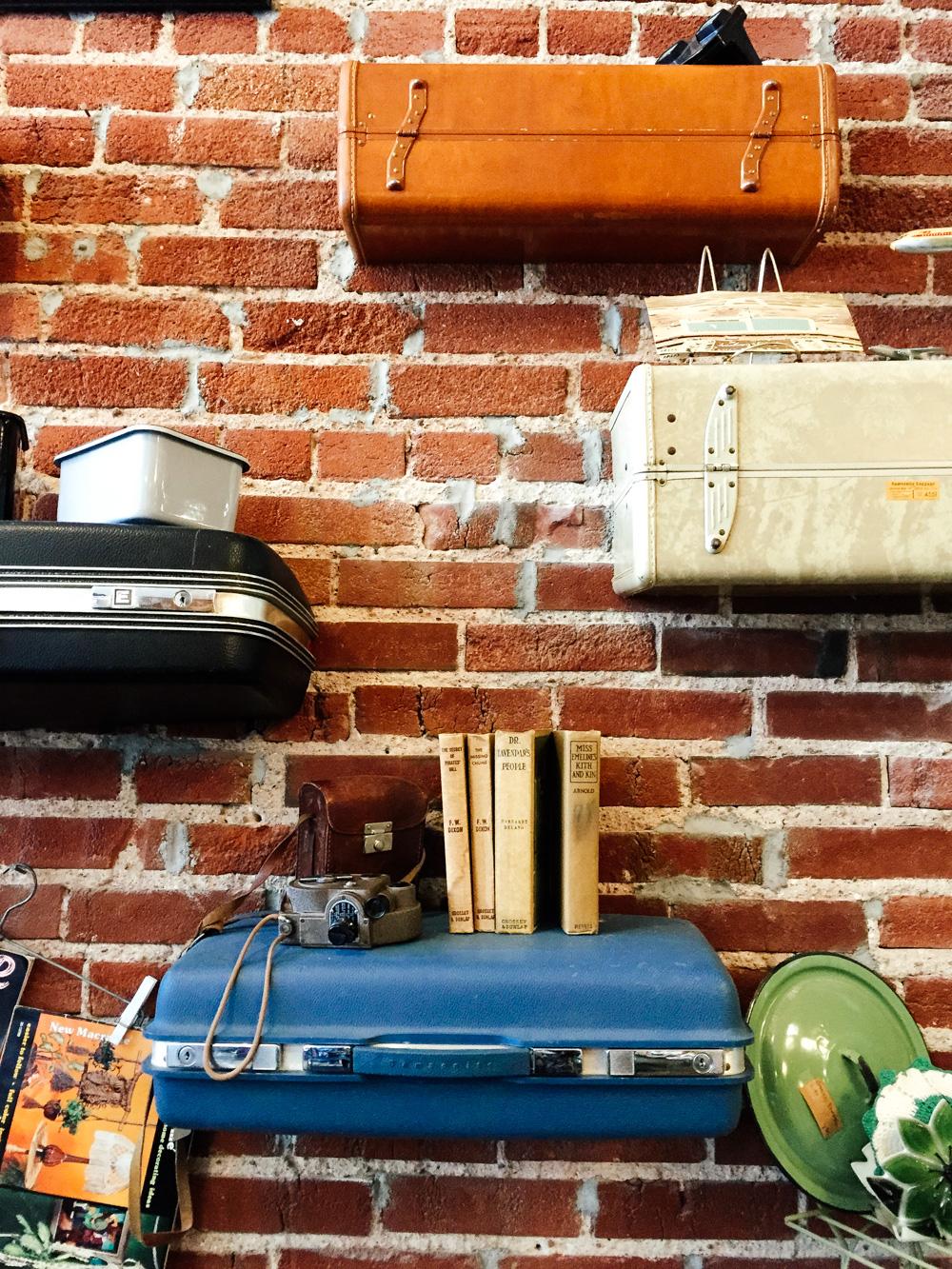 KCMO Thrifting-2959.jpg