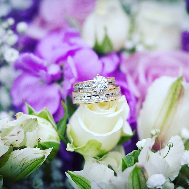 From the last wedding i did #weddingphotography #weddingring #photography  Www.coolshoots.com