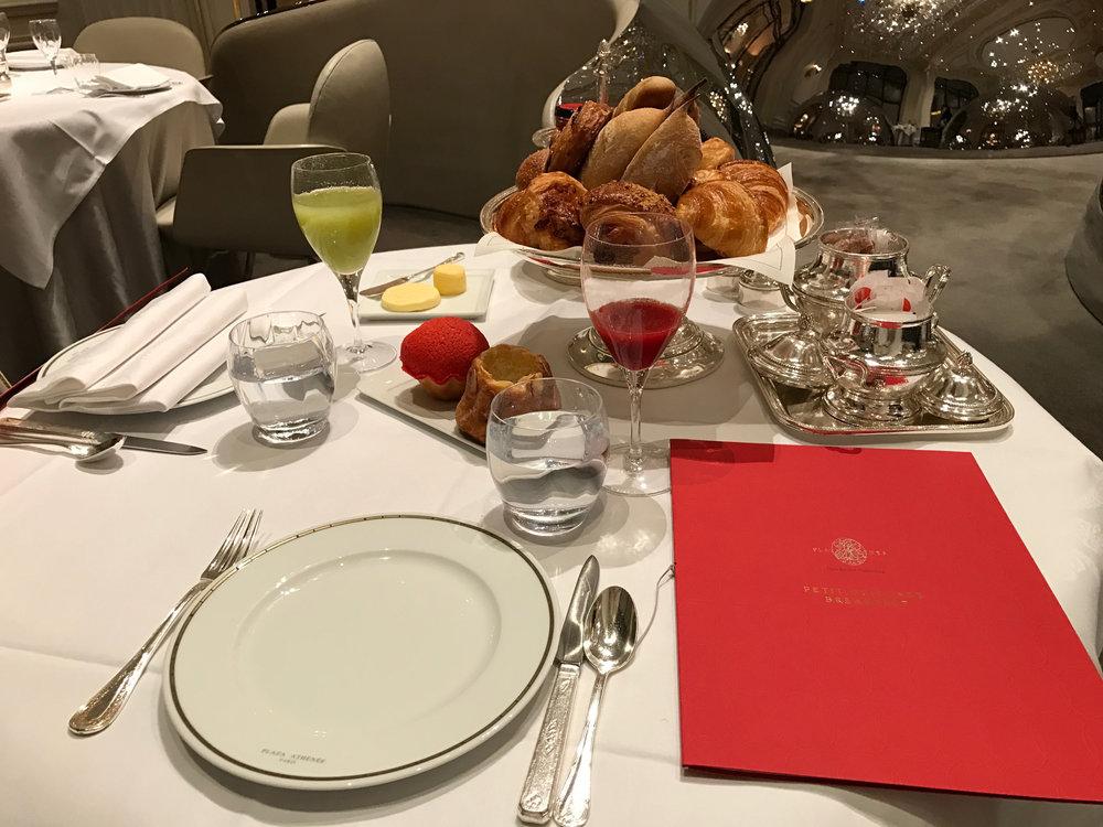 Guests booking Diamond Club enjoy free breakfast